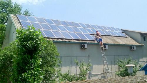 Монтаж солнечных панелей