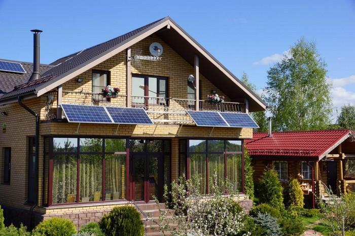 Солнечная панель на даче