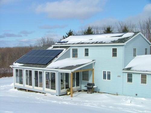 Использование солнечных батарей для электроснабжения жилого дома круглый год