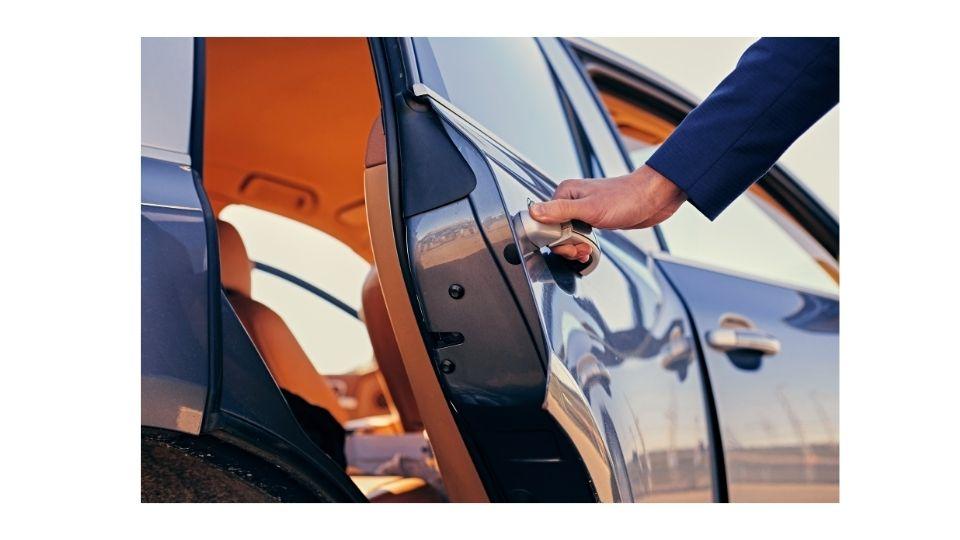 доводчик для двери автомобиля